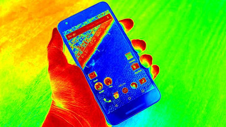 Как уберечь смартфон от перегрева летом