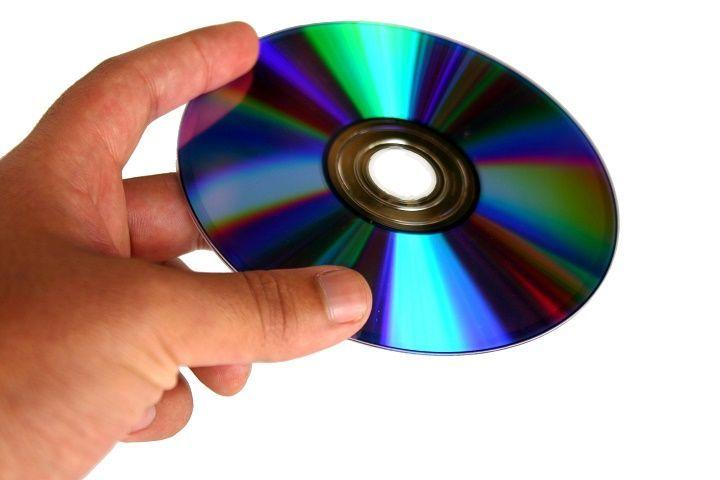 Исправлено: игры с компакт-дисков не запускаются в Windows 10.