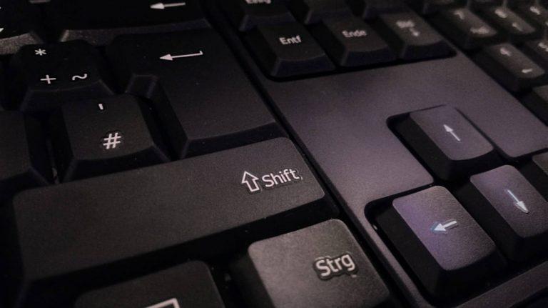 Вы хотите включить залипание клавиш?  Как избавиться от этого всплывающего окна