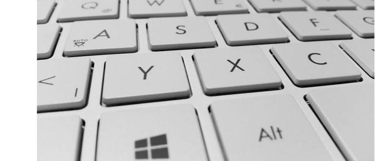 Исправлено: клавиатура Windows 10 вводит неправильные символы